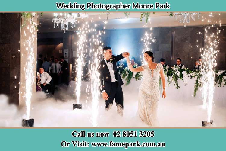Bride and Groom Dance with special effects Moore Park