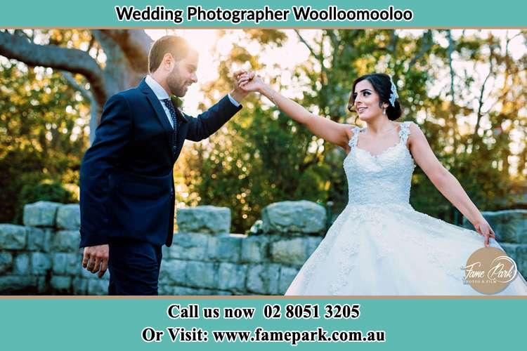 The Bride and Groom dance at the garden Woolloomooloo